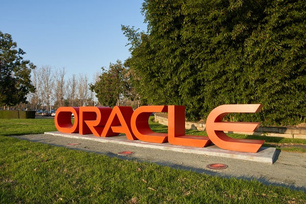 At Canadian Business College, you'll receive training in Oracle database administration