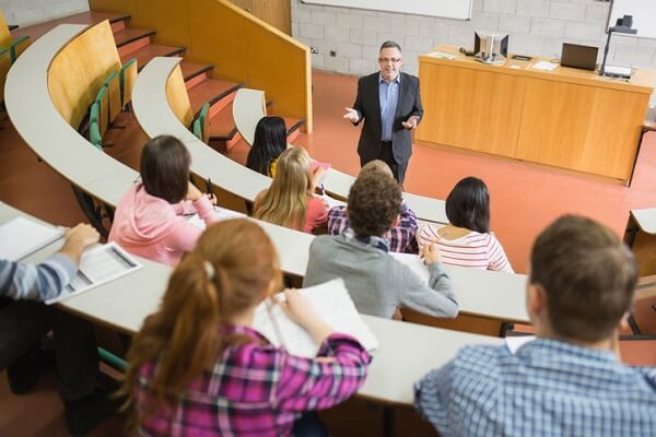 Students at Canadian Business College study with practicing lawyers and paralegals