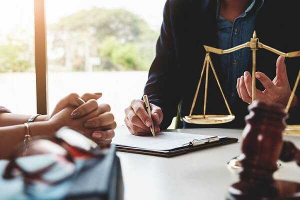 In Ontario, paralegals can represent clients in court for provincial offenses