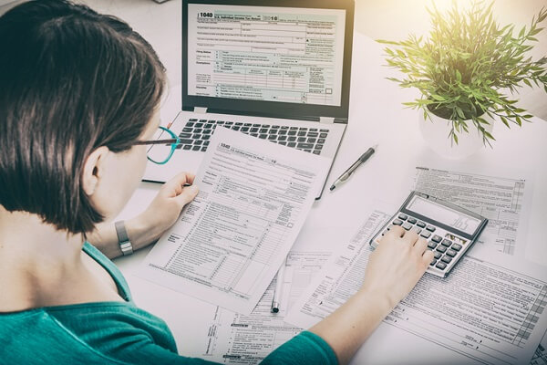 Second Career can help workers who have been laid off retrain for a career in payroll and accounting