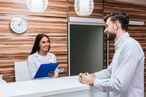 Customizing your resume can help you secure a rewarding job in medical and health administration